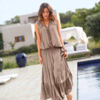 Blancheporte – Blouse et jupe longue taupe – A partir de 45,98€