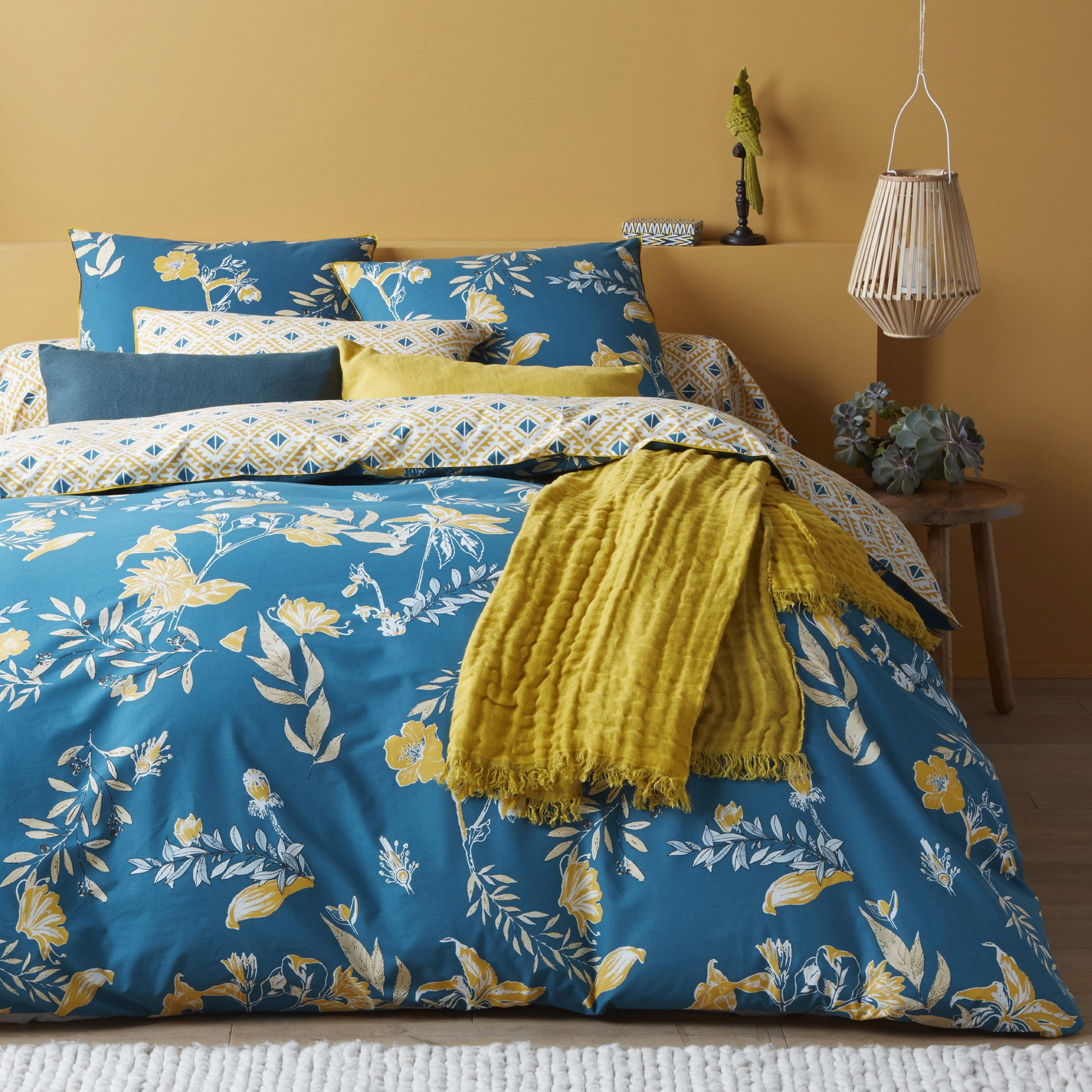 les trois suisses linge de lit finest bouchara linge de. Black Bedroom Furniture Sets. Home Design Ideas