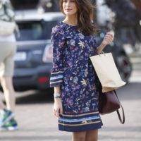 Blancheporte_La robe imprimée bleu encre-bordeaux_A partir de 29.99 euros