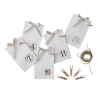 Blancheporte – Kit avec 24 sachets numérotés + 24 pinces + fil – 19,99 euros