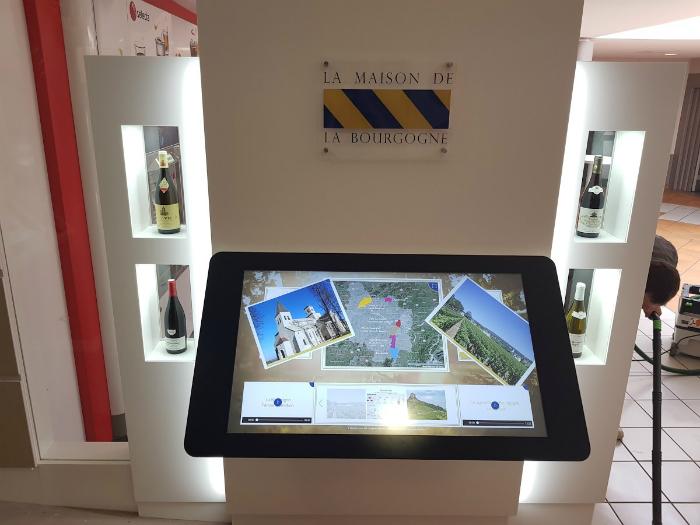 Avec le groupe APRR, Taktus insuffle du digital à la traditionnelle aire d'autoroute et conçoit à Beaune